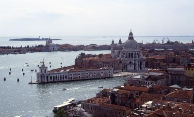 Santa Maria della Salute e la Dogana di Mare