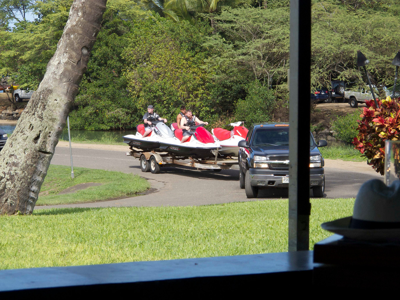 Lunch in Haleiwa at Joe's Seafood Grill gave us a view of these jet skiers in action.
