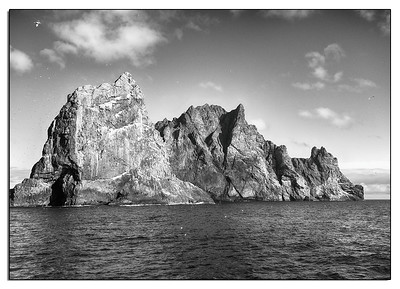 Boreray and the gannet colony on Stac Lee