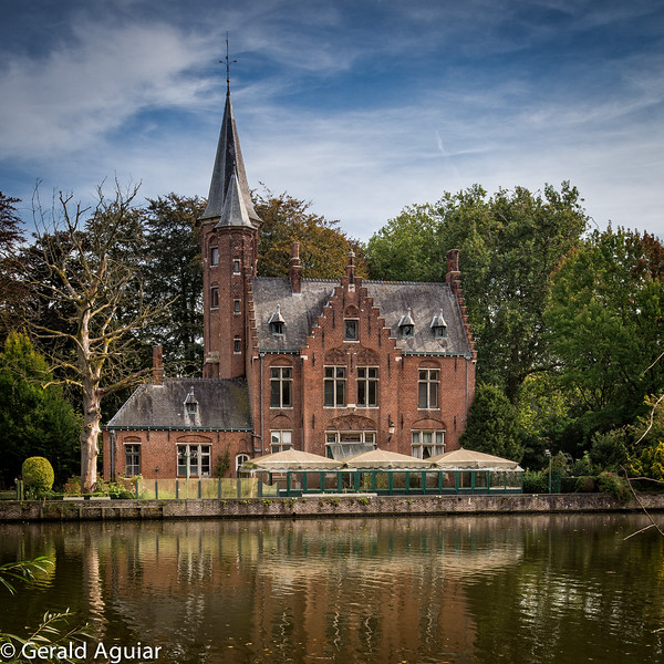 Simple Single Family Dwelling in Bruges????
