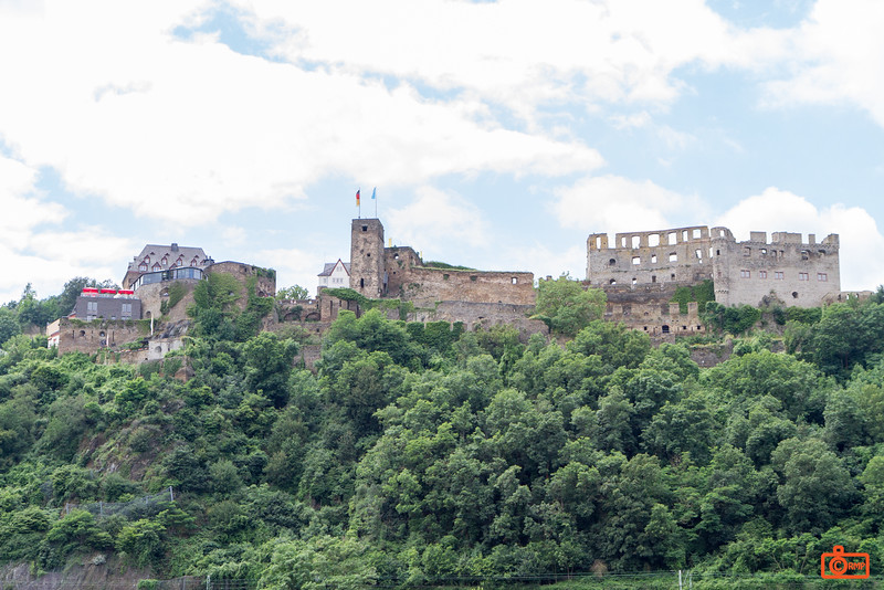 Rheinfels Castle dates to 1245. It is the largest castle overlooking the Rhine.