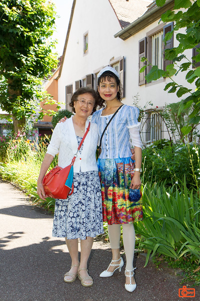 Rosa and her mother in a public garden in the town of Colmar.