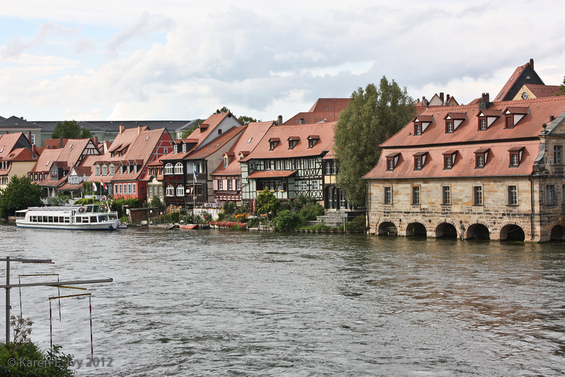 View downs the Regnitz from the untere Brücke - Bambergers clearly live right on the water