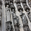 Statuary by secondary door, Dom