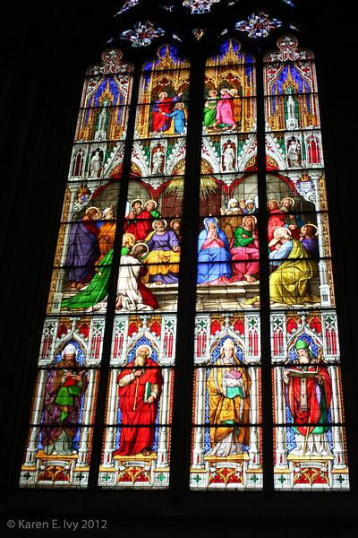 Stained glass window, Dom