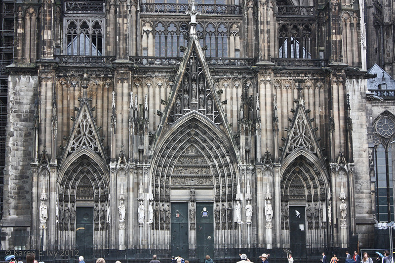 South entrance to the Dom
