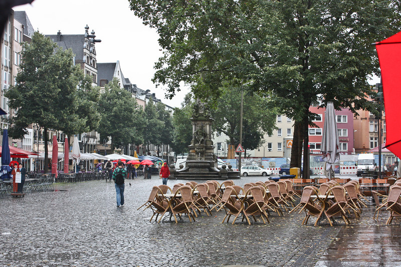 Cologne, Alte Markt, in the rain