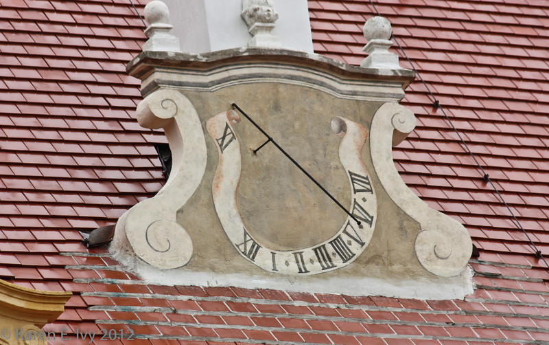 An unusual clock on the Abbey roof