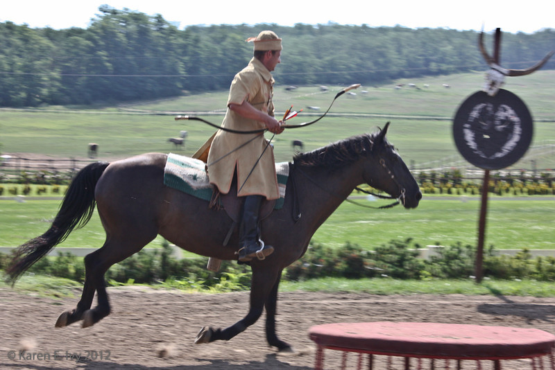 Mongol style riding