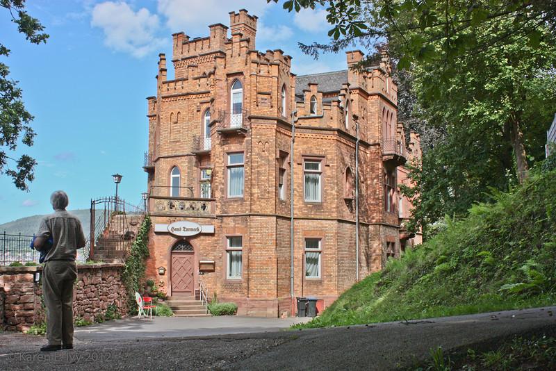 Castle wall - Hans Zurmeek is a private hotel