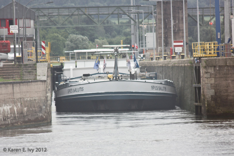 Spes Salutis exiting a lock on the Main