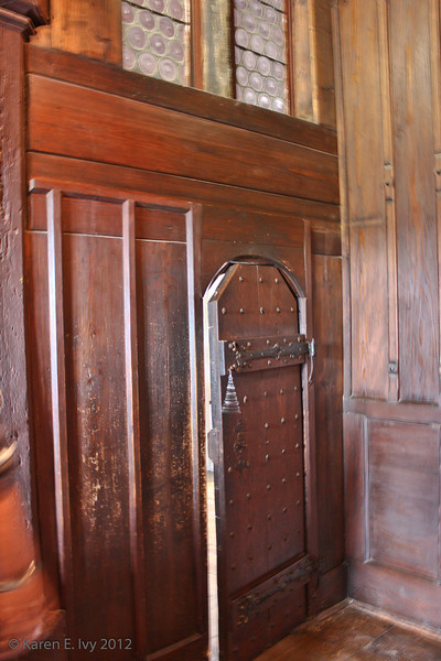 Private entrance to the ladies' chamber