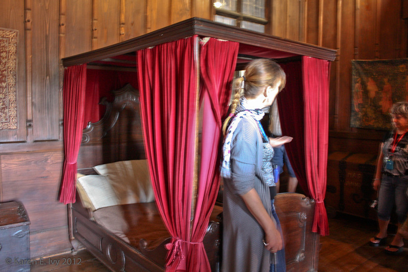 Canopied bed, ladies' chamber