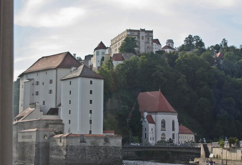 Wese Niederhaus and Weste Oberhaus, as we leave Passau