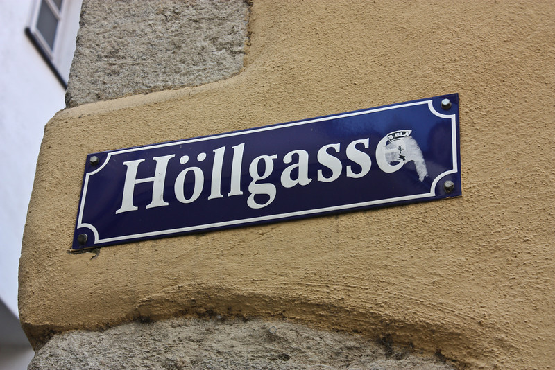 Street sign in Höllgasse