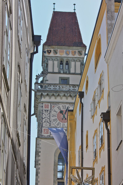 Tower of the Altes Rathaus, from Höllgasse (Hell Alley)