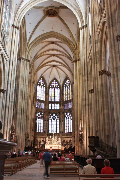 Nave of the Dom
