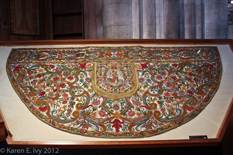 Dom museum:  embroidered cope