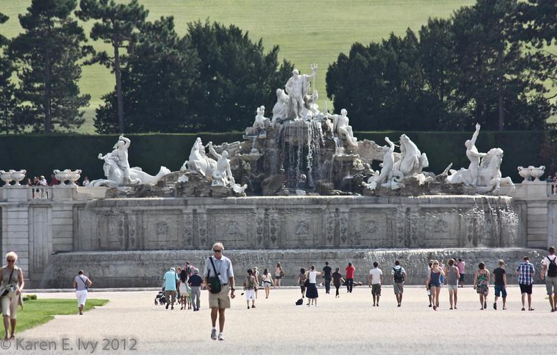 Schönbrunn Palace,  Neptune Fountain