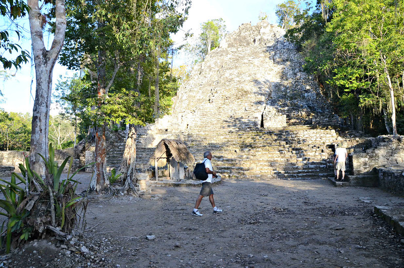 Upon the excavation of La Iglesia, archaeologists discovered the tomb of one of the Mayan kings inside of the pyramid.