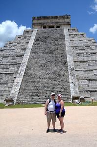 El Castillo - Xichen Itza, Yucatan, Mexico
