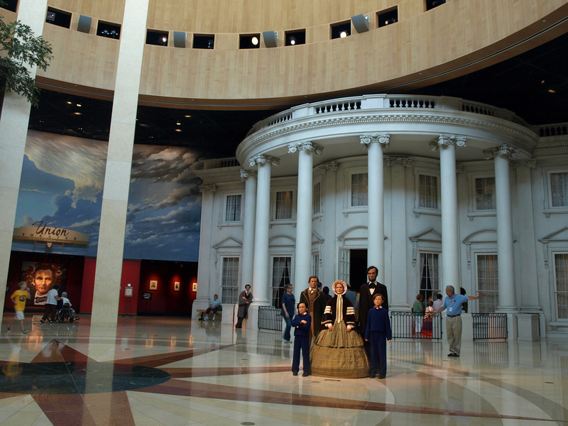 Main hall of the Lincoln Museum.