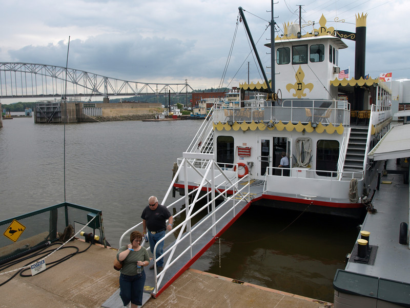 Passengers depart the SPIRIT of Dubuque, July 2, 2008.