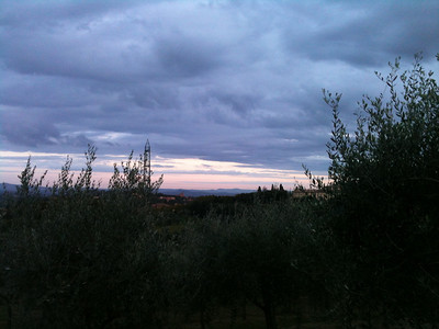 Made it to Tuscany!  This was the Tuscan sunset on Sunday, 13 October.