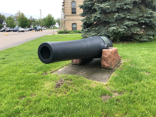 Civil War cannon from California