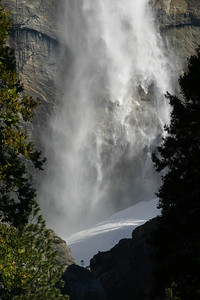 Morning drive through Yosemite Valley, we were hoping for snow ... Did not find much, so we enjoy the waterfalls instead. March 11, 2011
