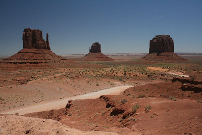 View from the start of the 17 mile drive. Monument Valley, Arizona