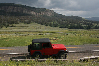 Jeep at Lamar Valley