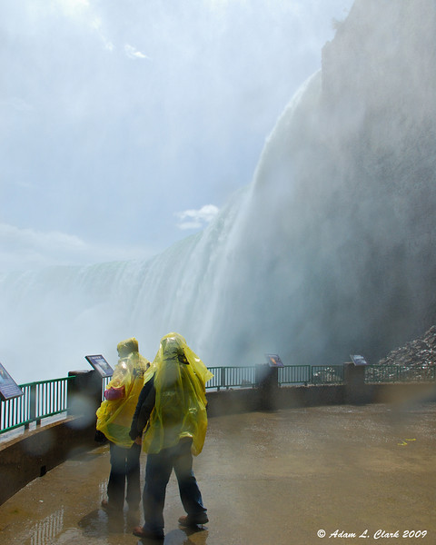 The Horseshoe Falls from the lower leve of the observation deck thru the mist