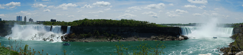 Panoramic shot of both the American Falls (left) and Horseshoe Falls (right)