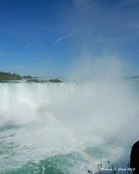Rainbow at the Horseshoe Falls
