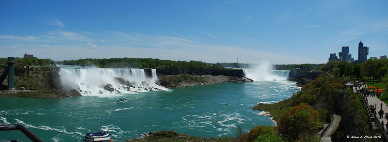 Panoramic shot of the American Falls (left) and Horseshoe Falls (right)