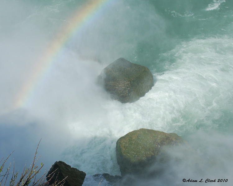 Big boulders at the base of the Horseshoe Falls