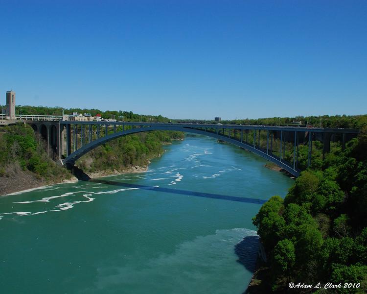 Rainbow Bridge between Canada and the USA