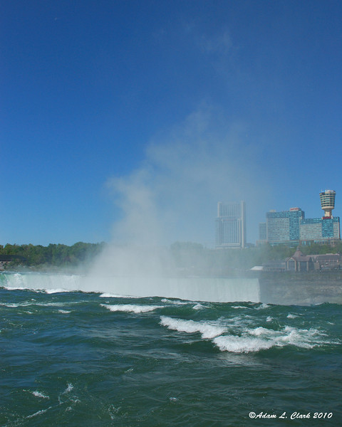 Mist coming up out of Horseshoe Falls