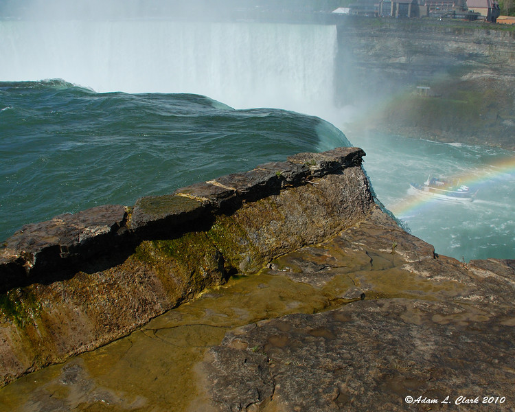 The edge of Horseshoe Falls