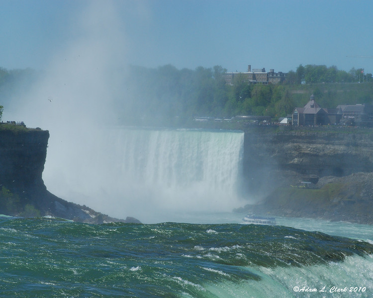 Looking past the American Falls to the Horseshoe Falls
