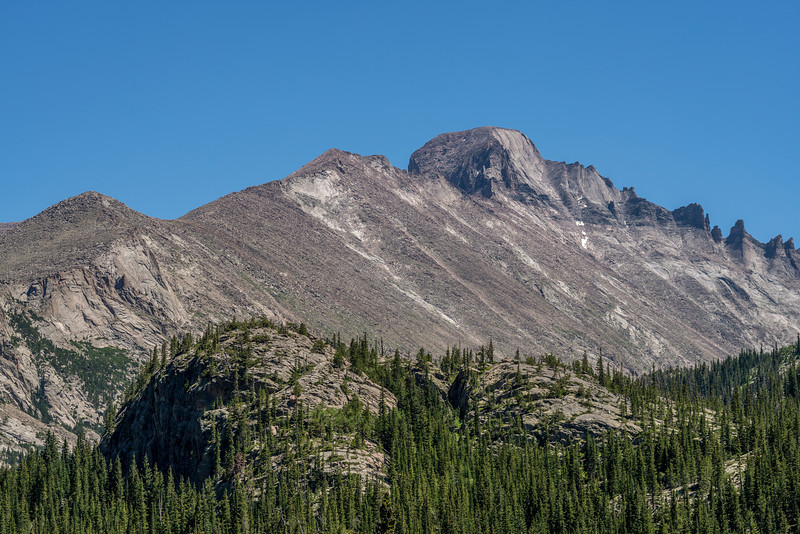 Longs Peak from the north west. At 4346m of elevation, it is the highest point in Rocky Mountain National Park