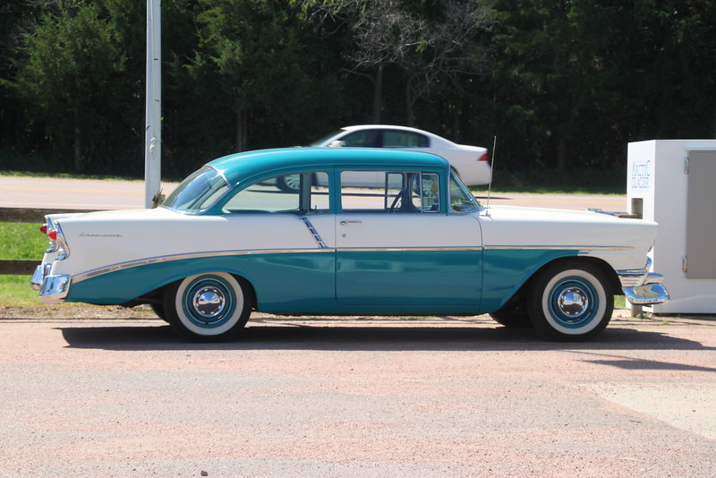 I think we're talking '55 or '56 Chevy here.