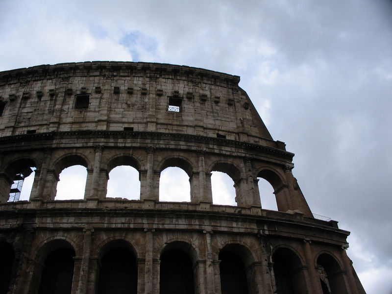 When I got to Roma, the first place I traipsed off to was the Colosseum. Partly because it seemed like the thing to do, and partly because it was just 2 metro stops away! Here are a variety of collected photos (some are not from the first day)...