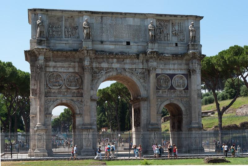 Arco di Constantino, front view