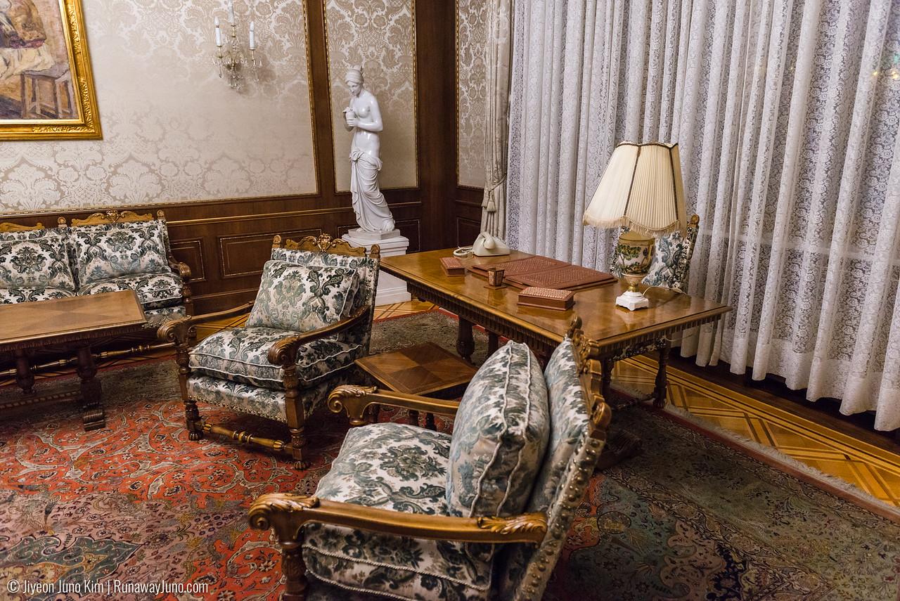 Valentin's apartment