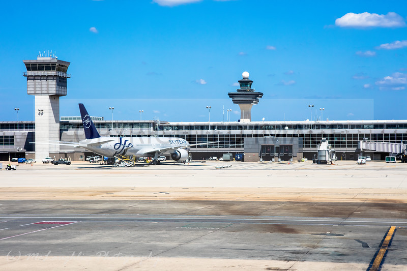 Dulles International Airport IAD...United Airlines Gate, Flight 42