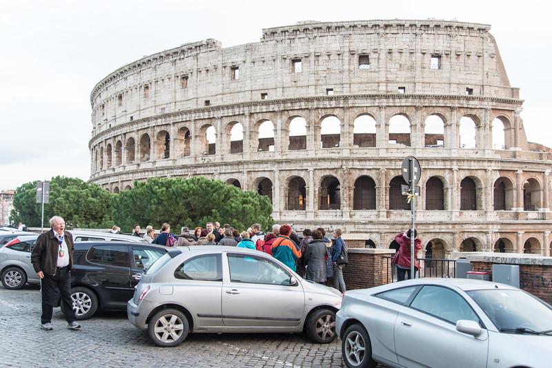 Rome - Dallas pilgrims at the colosseum