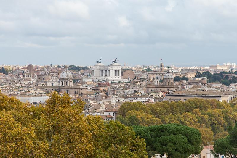 Rome - Pontifical North American College, rooftop view: Altare della Patria monument