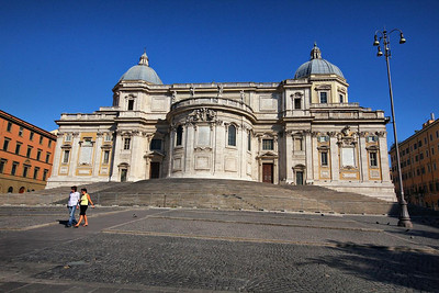Santa Maria Maggiore Church, 2 blocks from our hotel. The impressive exterior is upstaged by the artwork inside. This is a World Heritage site constructed during the reign of Pope Sixtus from 400 to 432 AD.